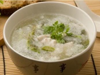 Китайский куриный суп.