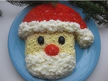 """Новогодний салат """"Дед Мороз""""."""